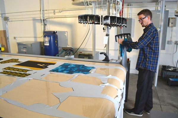 """Mini fábrica online, a nova tecnologia que vai """"redefinir"""" a fabricação de roupas stylo urbano-2"""