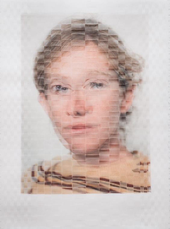 Artista cria interessante série fotográfica fundindo dois retratos diferentes da mesma pessoa stylo urbano-1