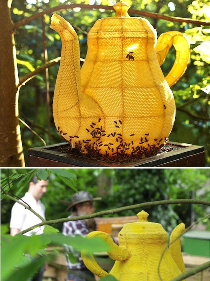 Artista e 60.000 abelhas criam uma escultura de bule feita de cera stylo urbano