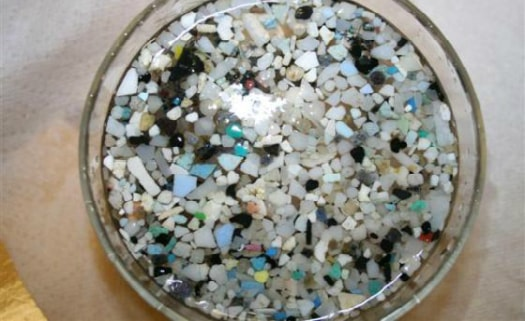 A lavagem de tecidos sintéticos libera microfibras que estão poluindo os oceanos stylo urbano-1