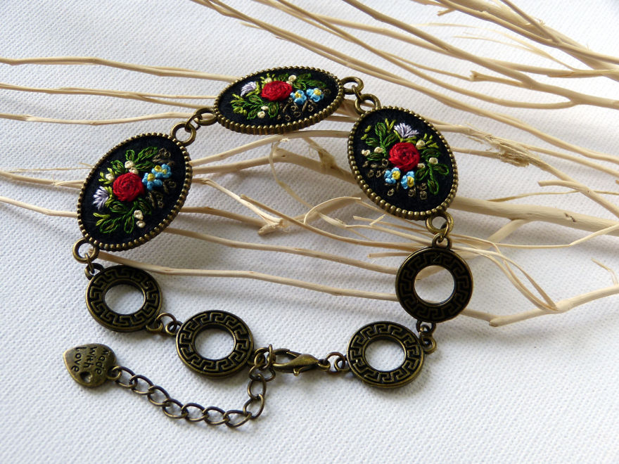 My-Hand-Embroidered-Jewelry-57b404a9a659c__880-min