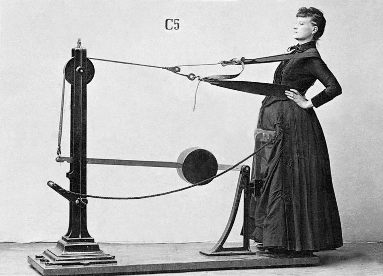 vintage-weight-lifting-machines-1-min
