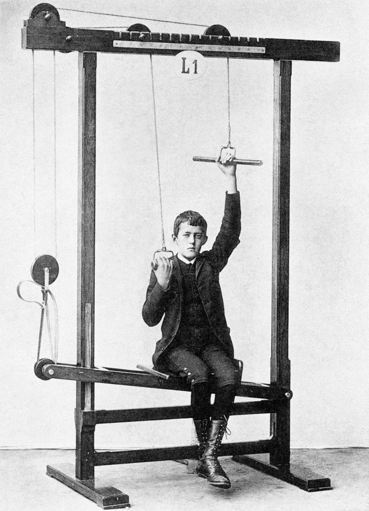 vintage-weight-lifting-machines-10-min