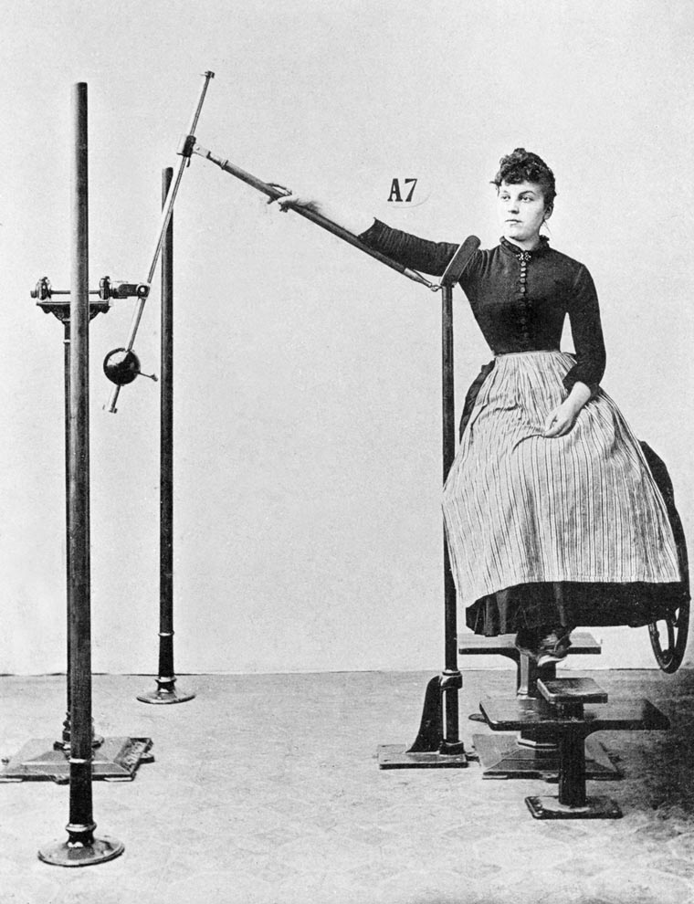 vintage-weight-lifting-machines-15-min