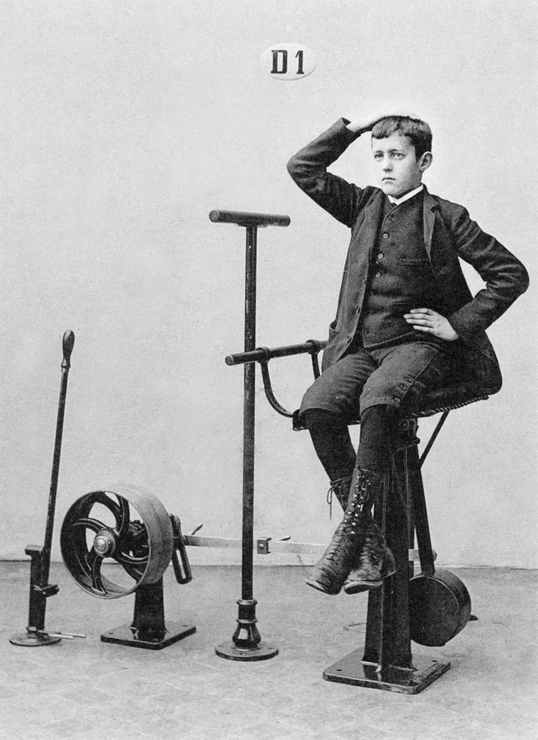 vintage-weight-lifting-machines-6-min