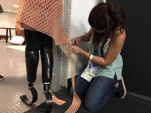 Amy Purdy abriu as Paraolimpíadas 2016 com um deslumbrante vestido de impressão 3D stylo urbano-2