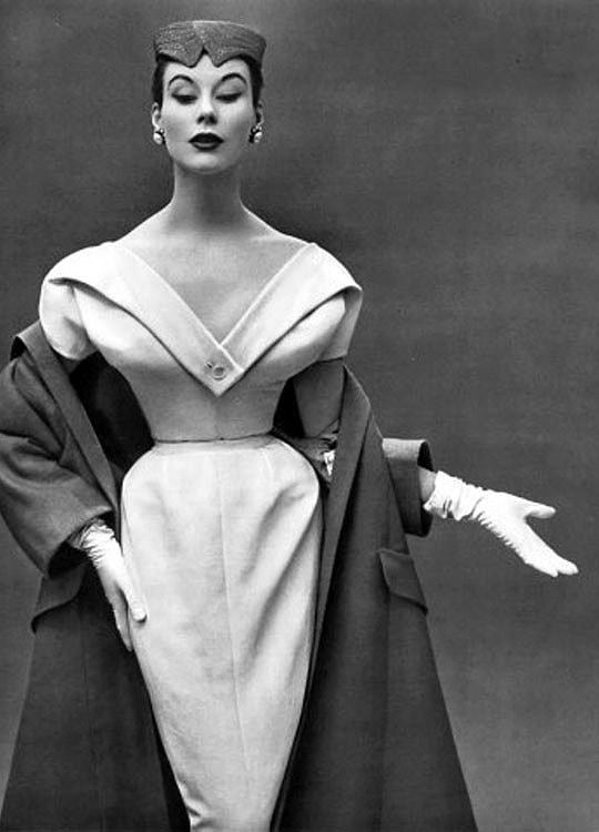 Como nasceu o New Look criado por Christian Dior? stylo urbano