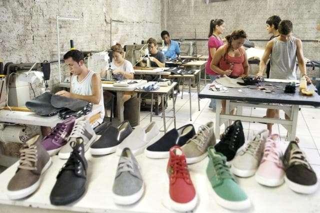 Conheça algumas empresas brasileiras que investem no consumo consciente de moda stylo urbano-6