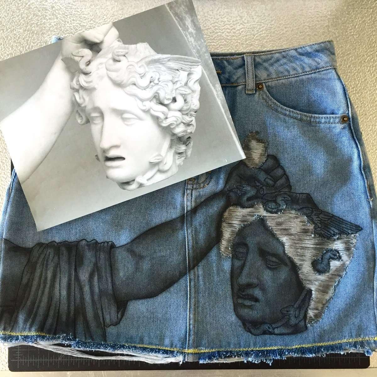 Estilista Carlton Yaito combina arte, moda e upcycling sobre jaquetas jeans usadas stylo urbano