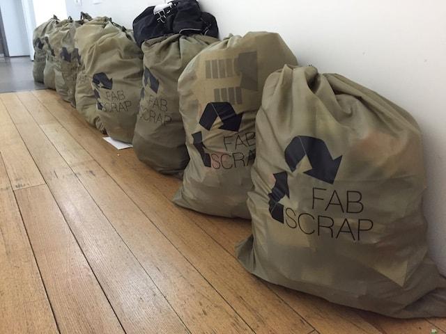 Tecidos são a próxima fronteira da reciclagem para reduzir os resíduos nos aterros stylo urbano