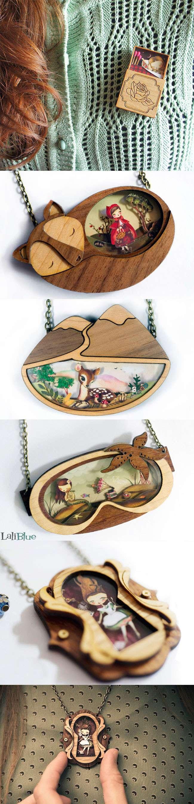 Designer cria joias de madeira e resina com cenas inspiradas nos contos de fadas stylo urbano