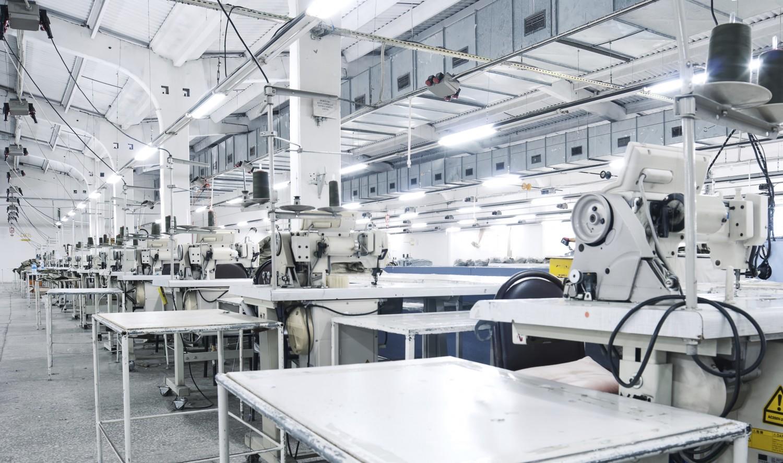 """Os Sewbots estão trazendo a etiqueta """"Made in USA"""" de volta à moda americana stylo urbano"""