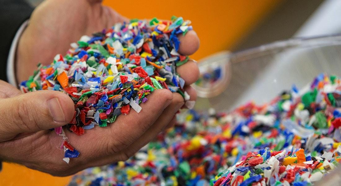 64caf22a0ad Novas tecnologias podem reciclar plástico usado dando-lhe a mesma qualidade  do plástico virgem