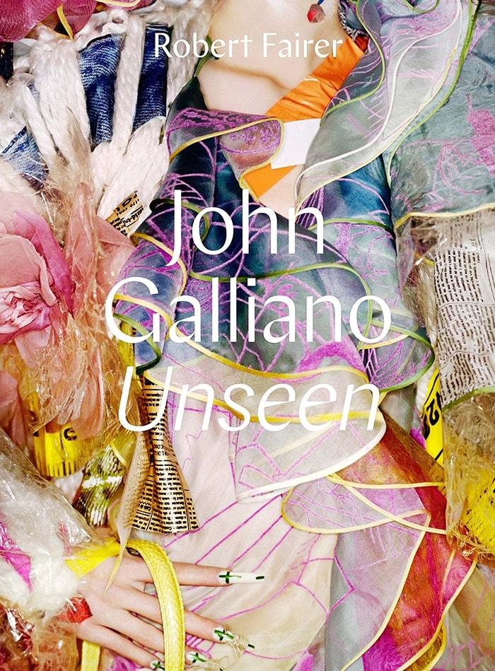 O livro John Galliano: Unseen mostra o fabuloso mundo do maior ícone da alta-costura atual stylo urbano
